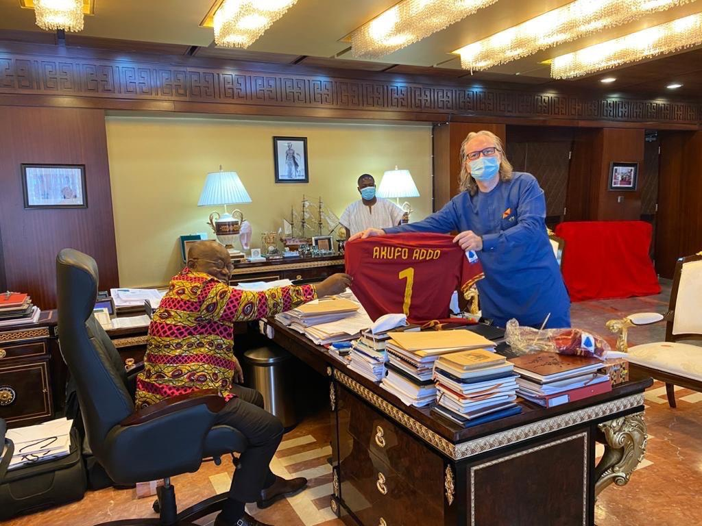 Photo of President Nana Akuffo Addo Presented With A Special AS Roma Home Jersey